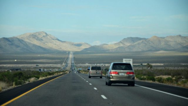 Car-Driving-In-Nevada