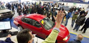 How to Work With Cheap Car Dealers at Auction?