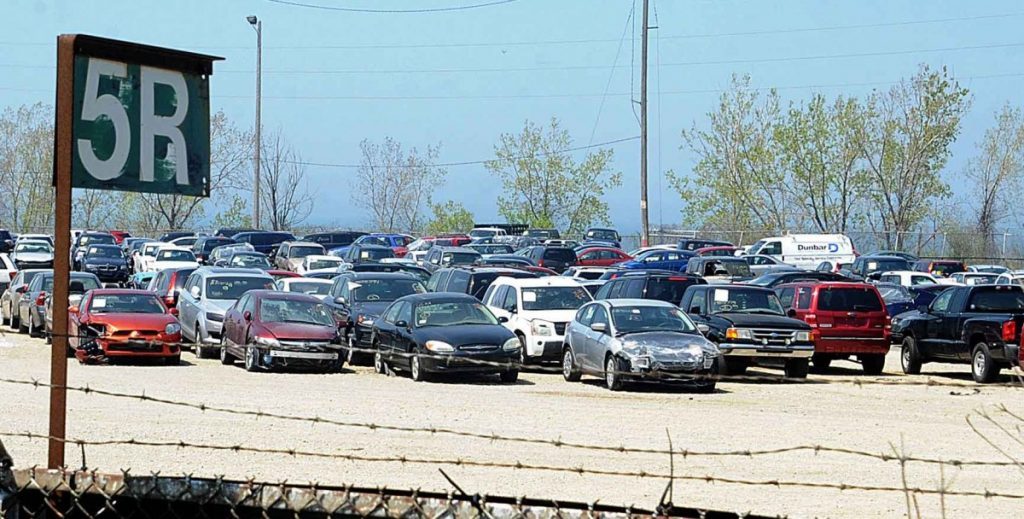 How To Sell Salvage Vehicles Including a Car? - Auto Auction Mall