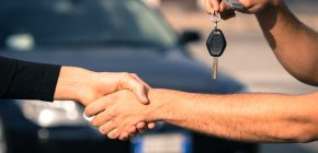 4 Ways an Auction Specialist Can Help with Dealer Auto Auctions Online Sale