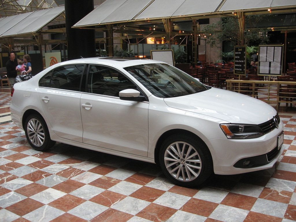 Why Choose a 2015 Used Volkswagen Jetta - Auto Auction Mall